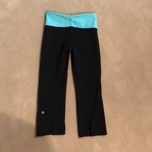 Size 4 lululemon capri leggings